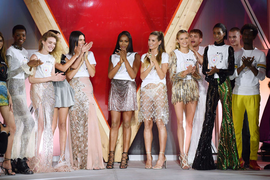 Cannes 2017. Naomi Campbell star du Fashion For the Relief