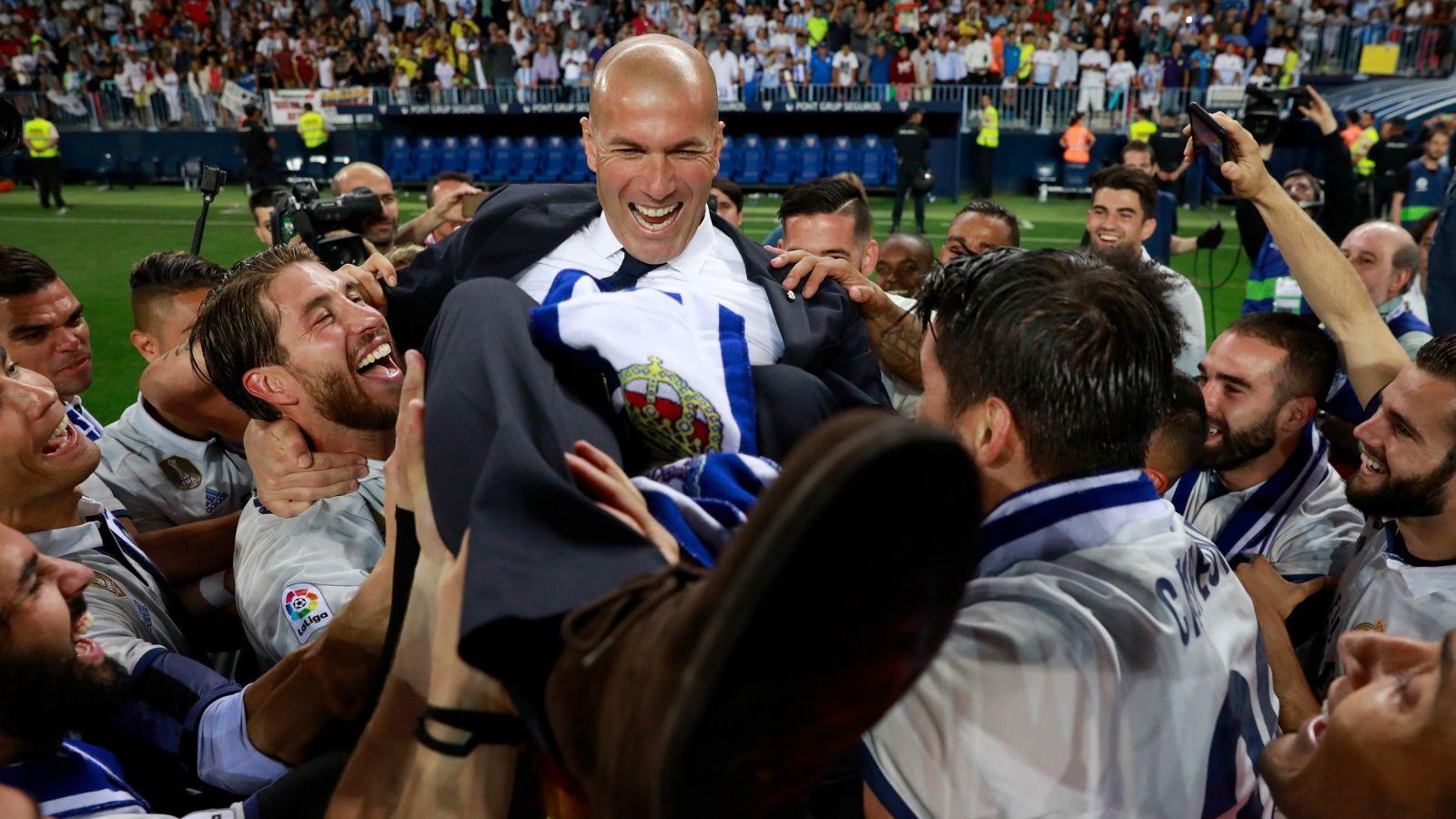 Cette fois, il n'y a plus de doute : Zidane est à sa place sur le banc du Real Madrid