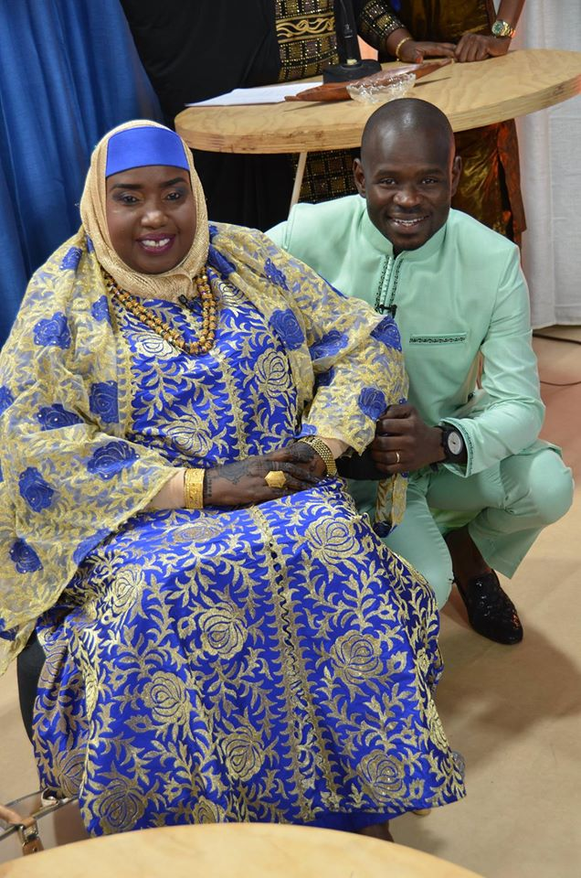 5 photos : Pape Cheikh Diallo pose avec sa maman Adja Fatou Binetou Diop