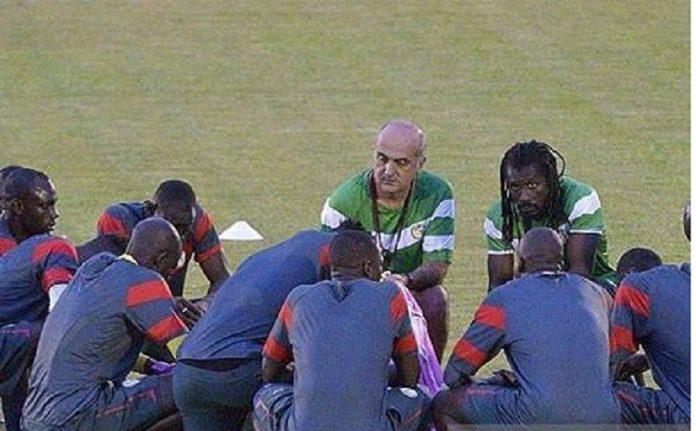 Aliou Cissé s'échauffe avec dix Lions