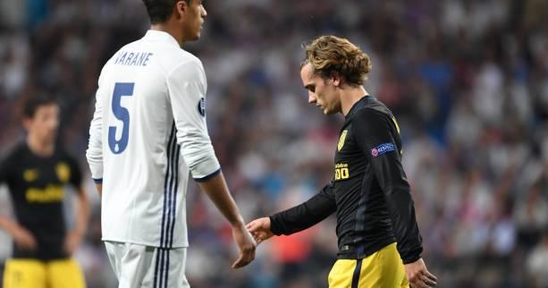 Équipe de France: Antoine Griezmann n'applaudit pas Raphaël Varane et l'assume