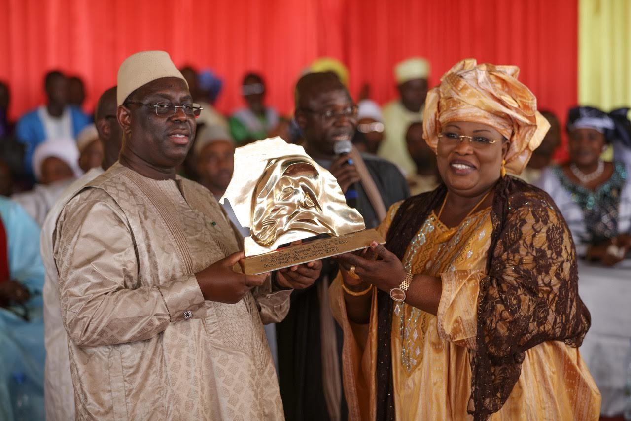Macky Sall fait un plaidoyer pour l'autosuffisance du Sénégal en lait et en produits laitiers