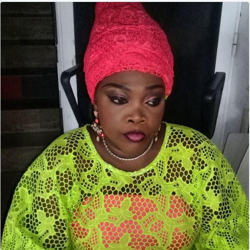 Ndella Madior Diouf Touré en mode maquillage!!!
