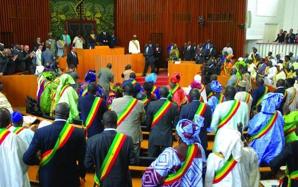 Investis tête de liste départementale : certains ministres manœuvrent déjà pour ne pas finir à l'Assemblée nationale