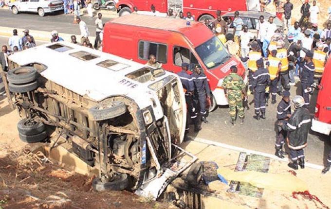 Accident d'un car Ndiaga Ndiaye sur l'autoroute à péage: Un témoin parle de plusieurs blessés