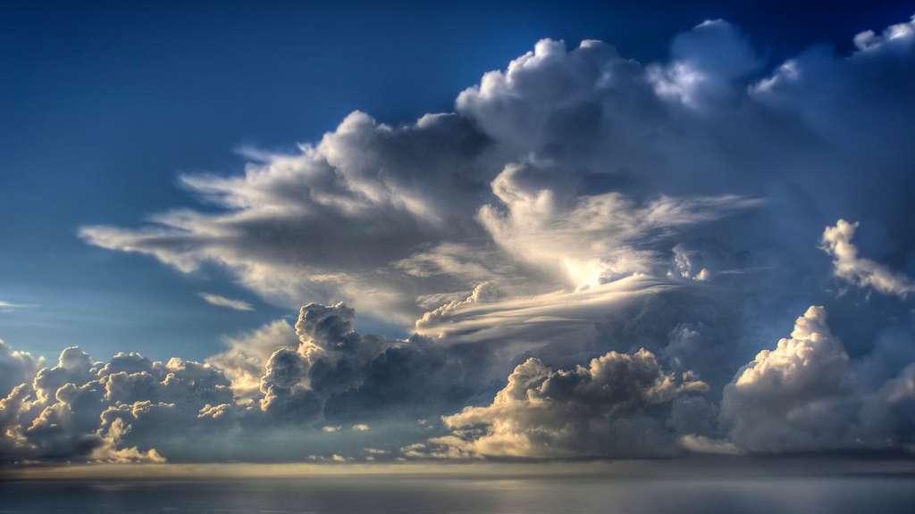 Des amas nuageux qui occasionneront des pluies prévus cette soirée...