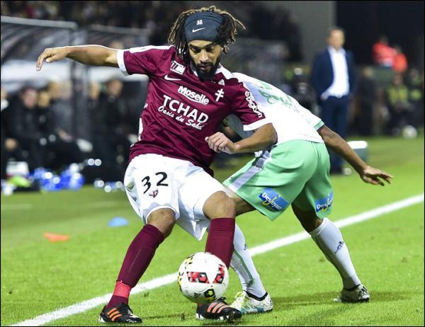 Mercato Estival: Assou-Ekotto prolonge d'un an au FC Metz