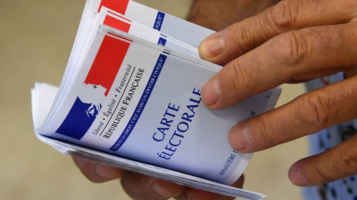 FRANCE-Elections législatives 2017 : le taux de participation à midi à 17,75 % en forte baisse par rapport à 2012