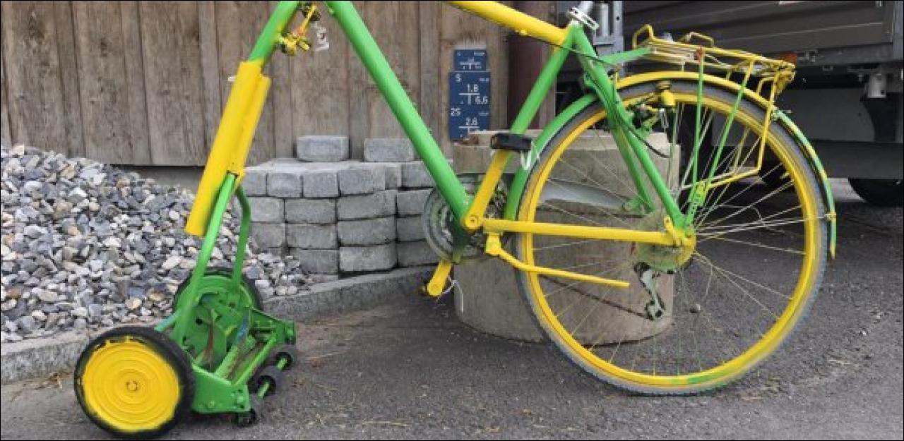 Un vélo-tondeuse en guise de cadeau de mariage