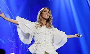 Cette nouvelle tenue de Céline Dion fait l'unanimité, mais pas ses nouvelles bottes !