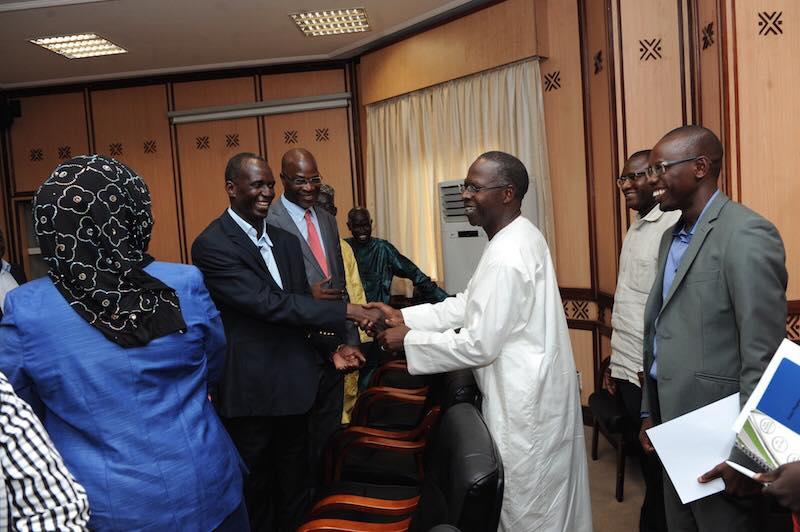 12 photos : le Premier ministre Mahammed Boun Abdallah Dionne reçoit le SAES