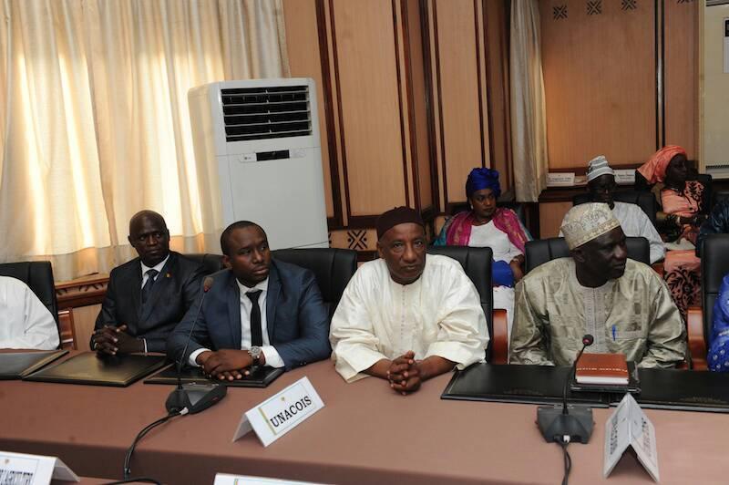 Le Premier Ministre, Mahammed Boun Abdallah DIONNE, a reçu une délégation de l'UNACOIS