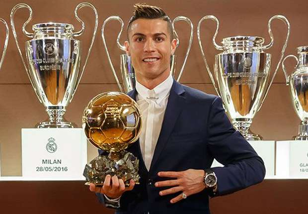 "Cristiano Ronaldo, ""Ballon d'or"" et multinationale"