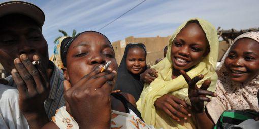 """Alerte tabagisme : """"Si rien n'est fait, le continent africain aura 39% de fumeurs en 2030"""""""