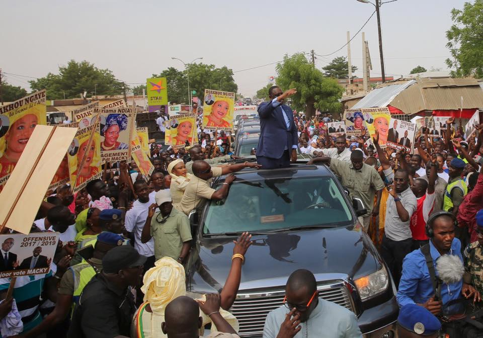 23 photos-Inauguration Centrale solaire Sinthiou Mékhé : Macky Sall accueilli triomphalement