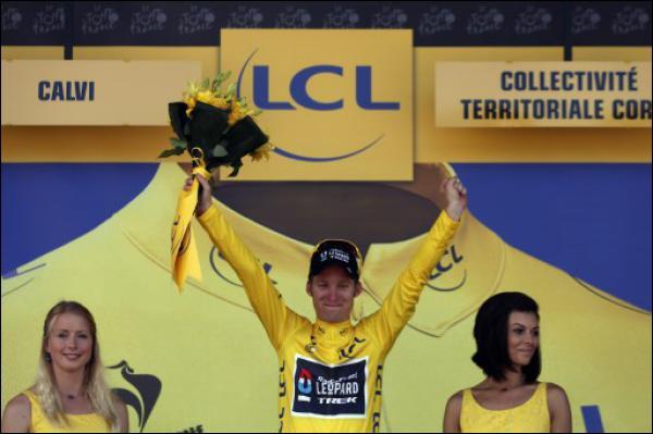 Cyclisme: Bakelants dérape sur les hôtesses du Tour