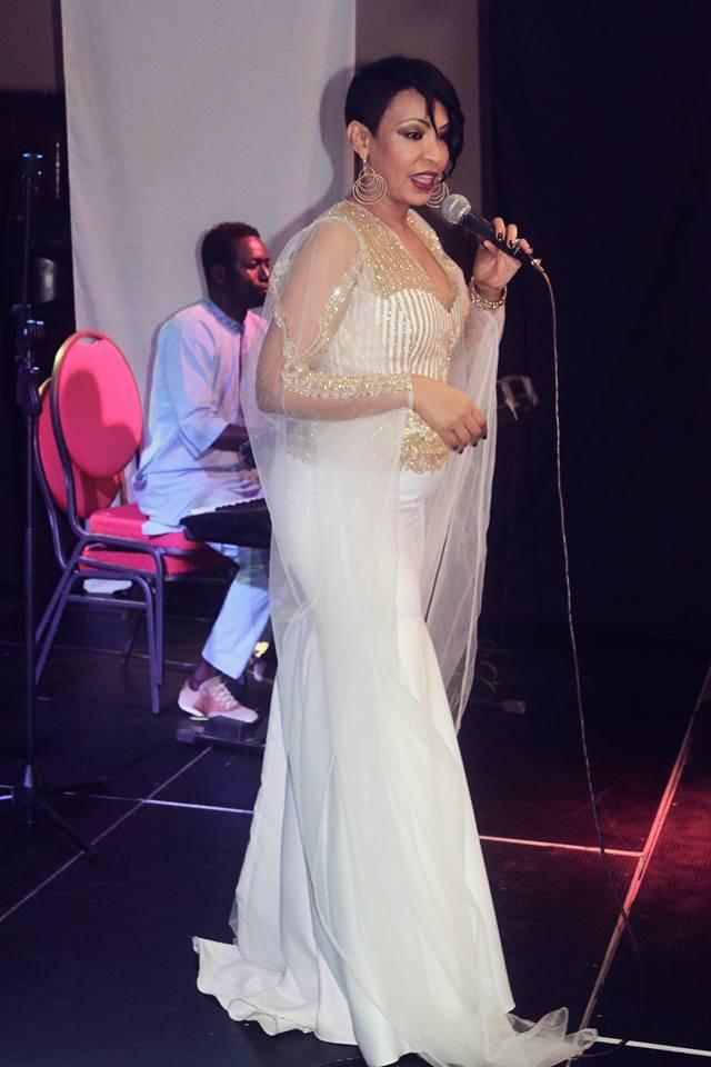 Photos: Viviane Chidid, toute ravissante dans sa robe qui repousse les limites du...style