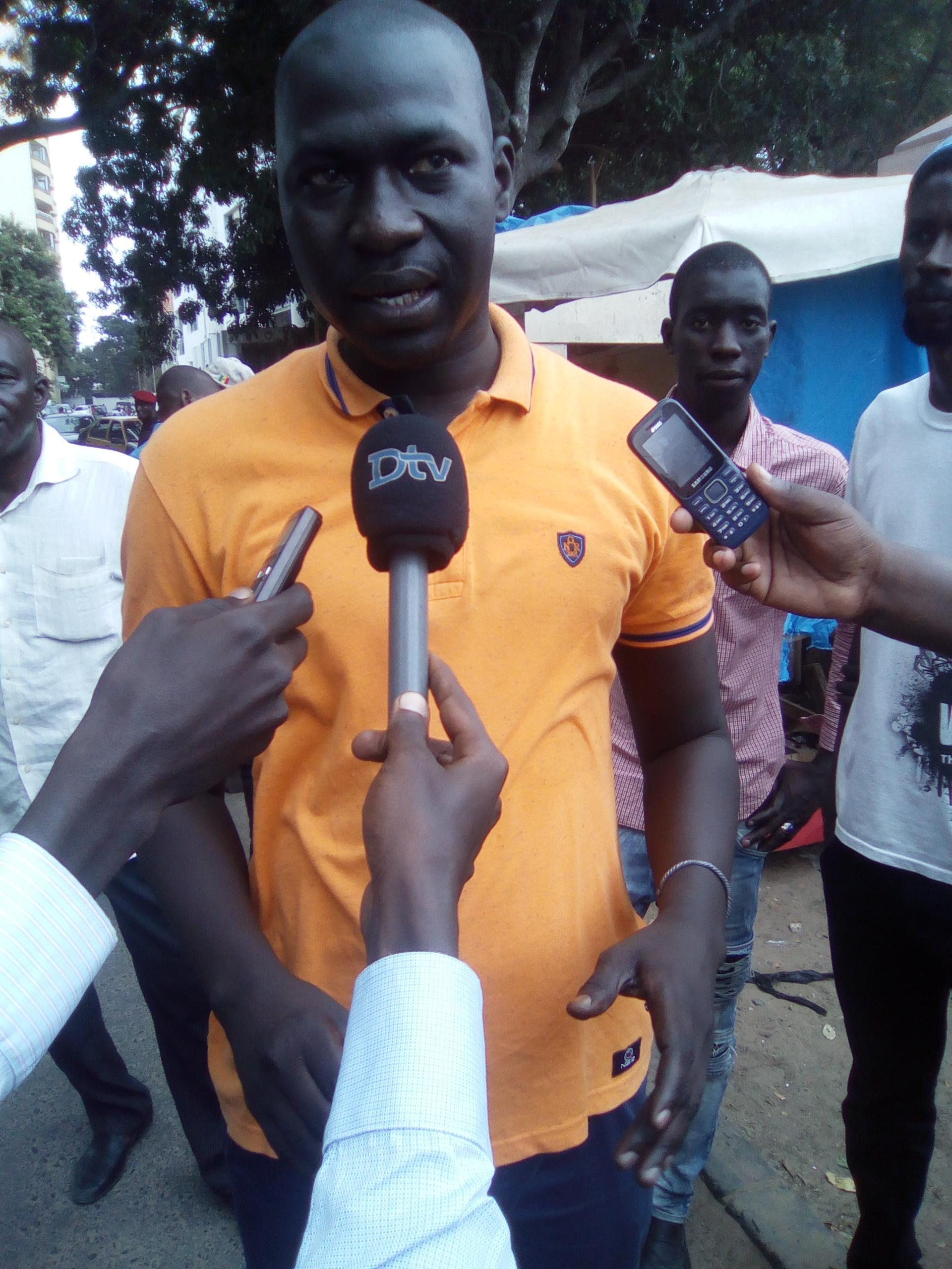 Urgent : Deux étudiants de Bokk Gis Gis arrêtés, et malmenés, selon le porte-parole de la coalition gagnante Wattu Senegaal