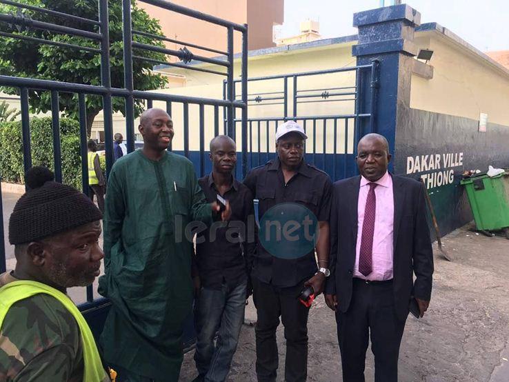 Mamadou Lamine Diallo et Oumar Sarr à la Gendarmerie de Thiong, au chevet de leurs camarades