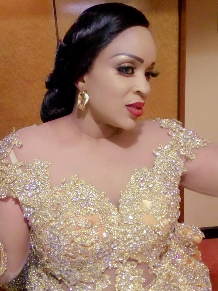 La belle Mado Diaw de la TFM, bien sapée en mode Make Up