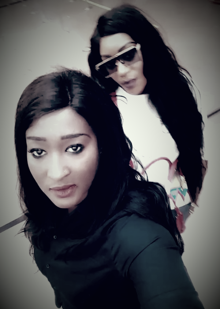 Photos :  Yama SEN TV et Sosso Thiam en mode selfie