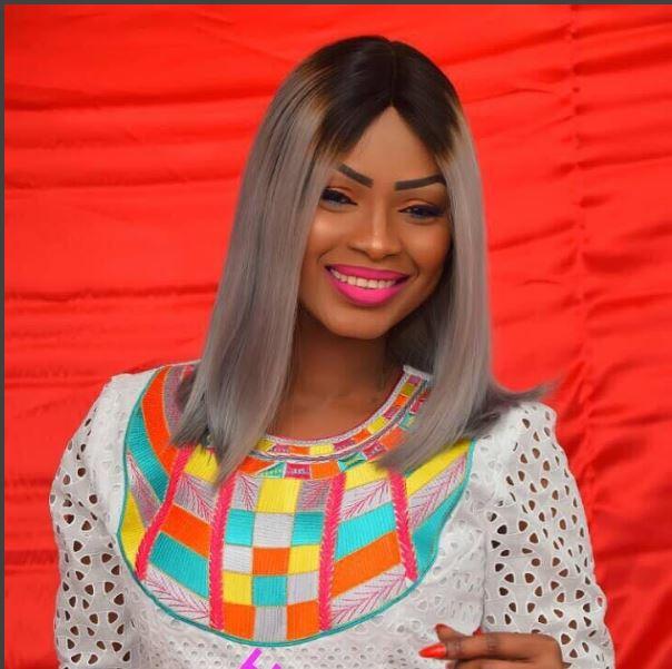 Mbathio Ndiaye toute ravissante en mode make Up
