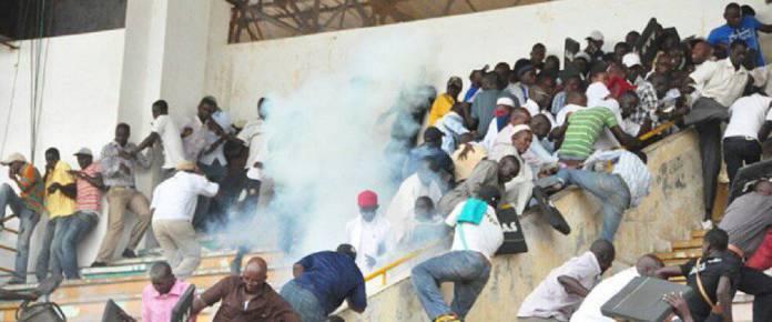 La Police dénonce la furie aveugle des supporteurs de l'Union Sportive de Ouakam et l'absence d'une grille de protection complète sur le pourtour intérieur du stade