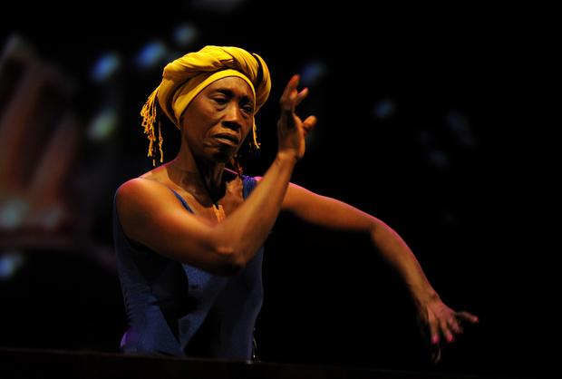 Sénégal : « Pourquoi nos dirigeants laissent-ils la danseuse Germaine Acogny courir à la faillite ? »