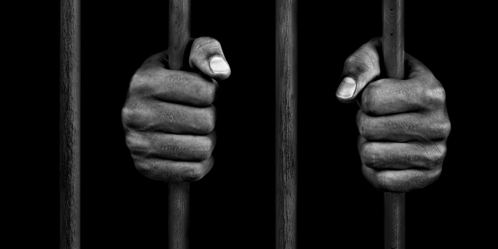 Injures publiques, menaces de mort, voies de fait : Un entrepreneur envoie son cousin qui le menaçait avec un couteau, en prison