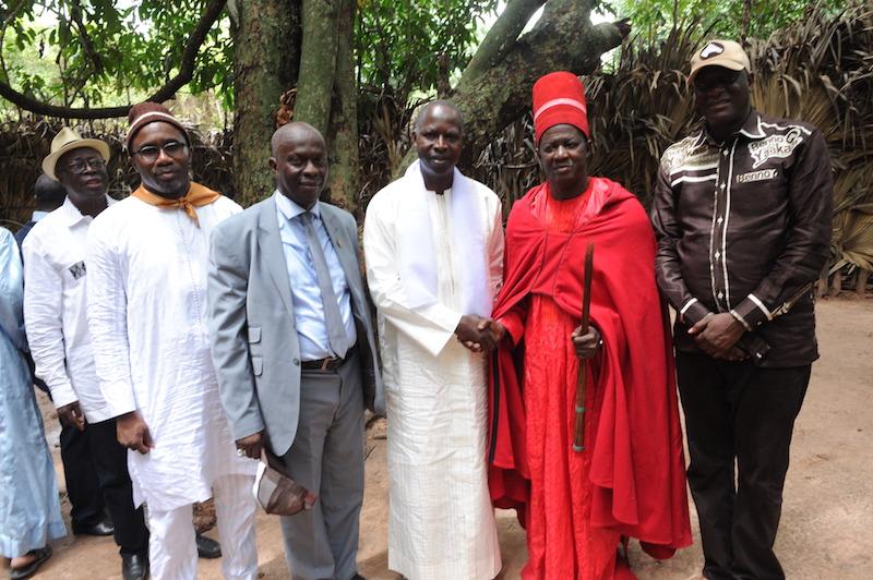 Le Premier ministre Mahammed Dionne, hôte du roi d'Oussouye, Simbiloumbay Diédhiou pour la consolidation de la Paix en Casamance