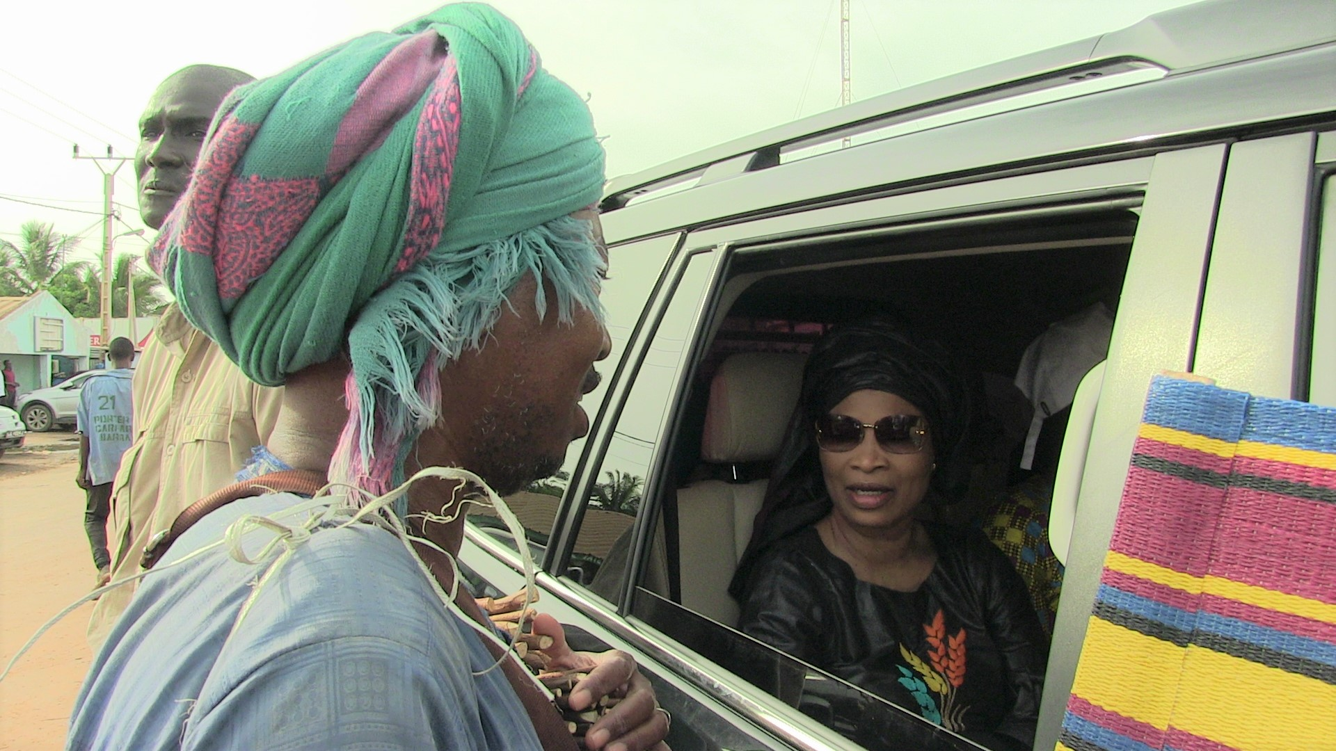 Arrêt sur image: Avant la traversée du ferry gambien, Me Aissata Tall Sall a salué la présence de la MICEGA, les soldats de la CEDEAO, en Gambie