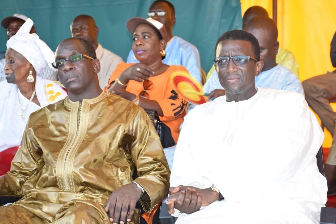 Abdoulaye Diouf Sarr pose la première pierre du Lycée de Yoff