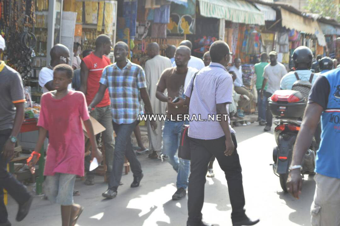 (Photos)  Marche de WADE : Un important dispositif sécuritaire quadrille le centre-ville