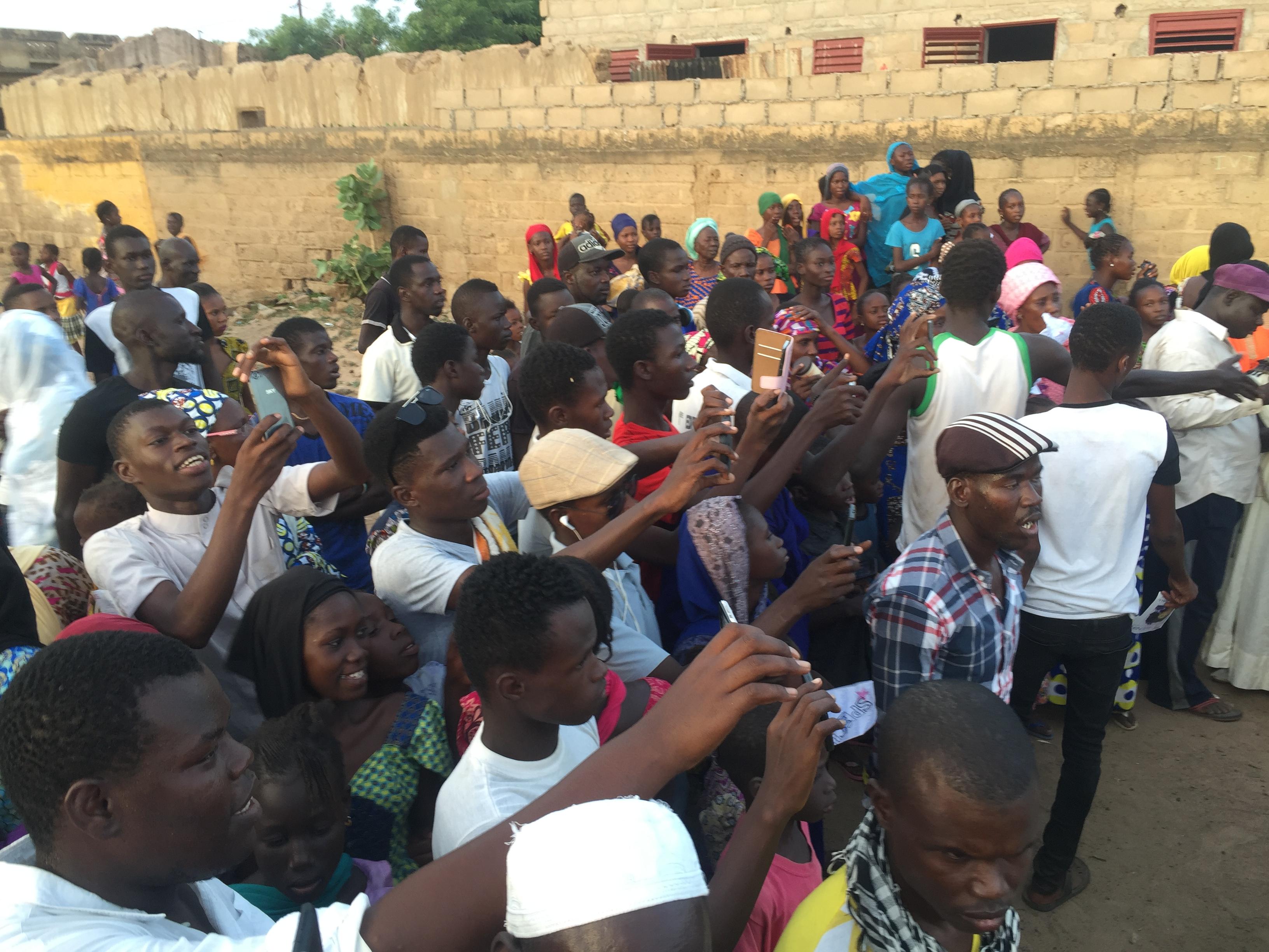 Les images de l'arrivée de la caravane de la coalition Osez l'avenir à Ogo dans la région de Matam