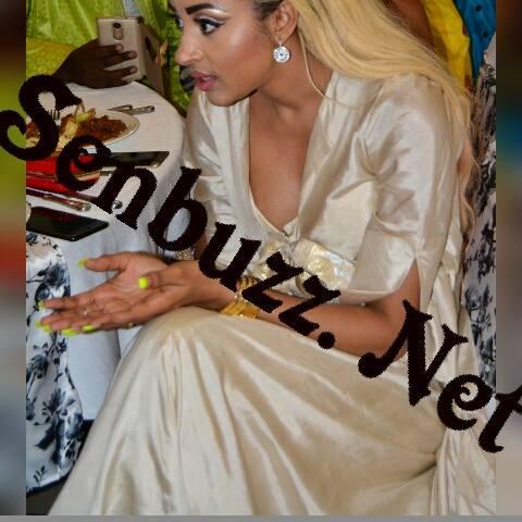 9 photos : Sokna Aïdara Wally Seck et sa robe beige qui fait fureur à Dakar