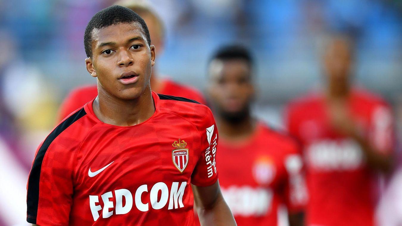 Kylian Mbappé voudrait quitter Monaco et pourrait atterrir au Barça