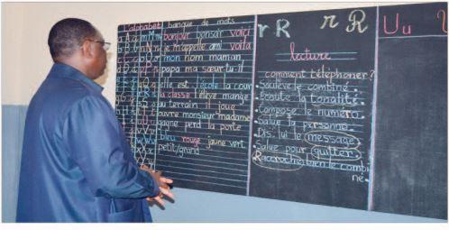 Macky Sall va définitivement mettre fin aux abris provisoires pour l'émergence pour une éducation de qualité :