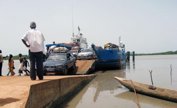 INFRASTRUCTURES-Gambiens et Sénégalais ont échangé sur la construction du pont de Farafegny (COMMUNIQUÉ)
