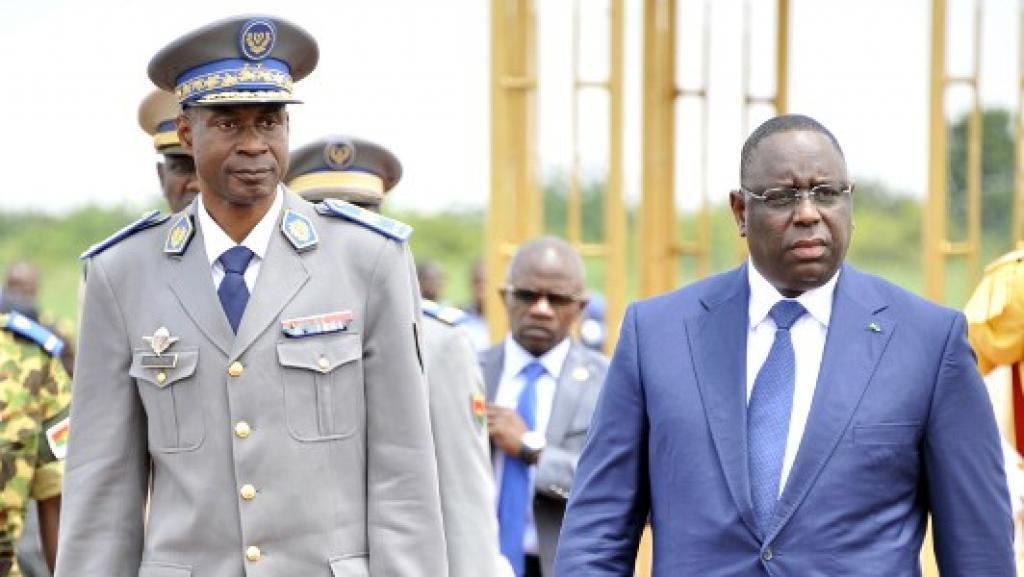 Macky Sall ici avec le général burkinabé Djendéré lors de la médiation de la CEDEAO.