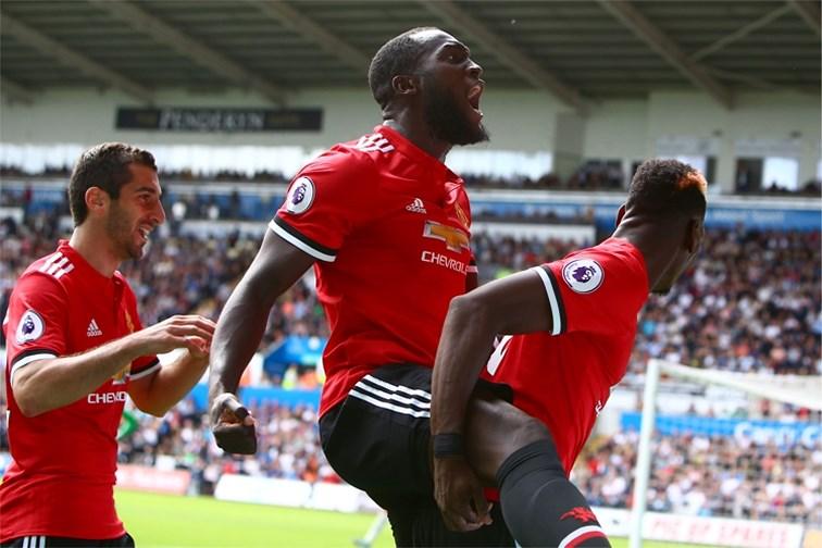Lukaku et Manchester United remettent le couvert face à Swansea (4-0)