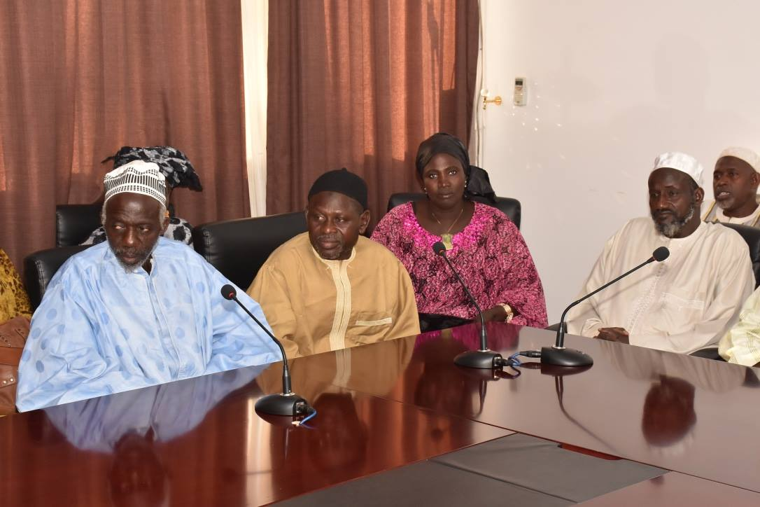Le ministre Abdoulaye Diouf Sarr donne une lueur d'espoir aux commerçants de Rufisque (Images)