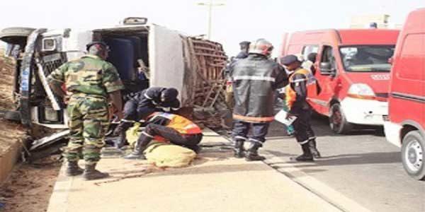 Bakel : Le camion rate son virage et percute un mini-car, un mort plusieurs blessés