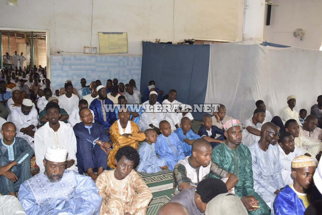 10 Photos: Tabaski 2017/ Mosquée UCAD: la communauté Ibadou a prié aujourd'hui