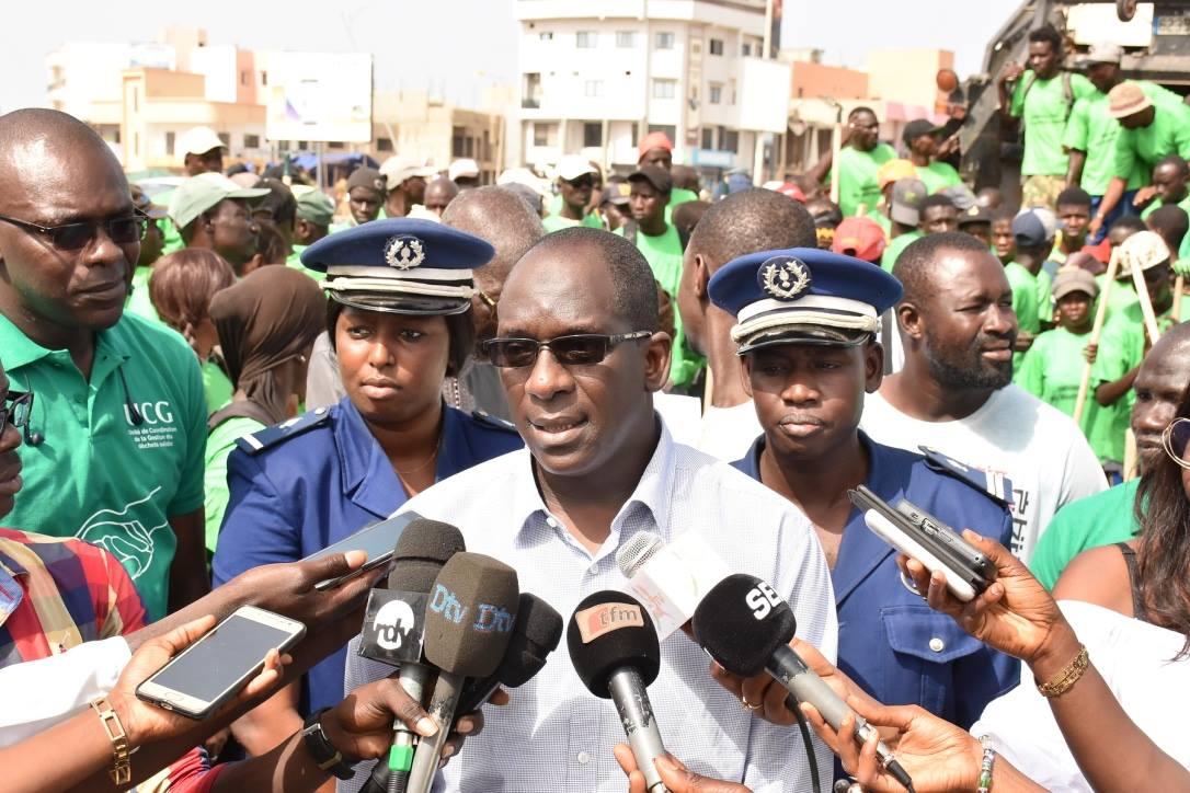 Abdoulaye Diouf Sarr a lancé ce vendredi 1er Septembre 2017 l'opération spéciale de gestion des déchets solides sur toute la région de Dakar