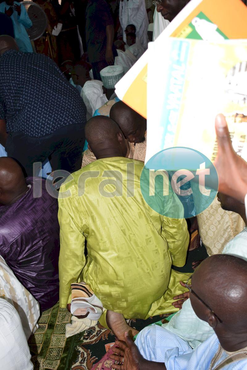 Les images de la prière de Asssane Diouf à la mosquée Massalikoul Djinane