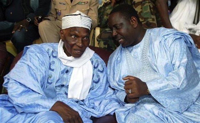 Les vœux de longévité, de santé et de bonheur du Président Macky Sall  à Me Abdoulaye Wade