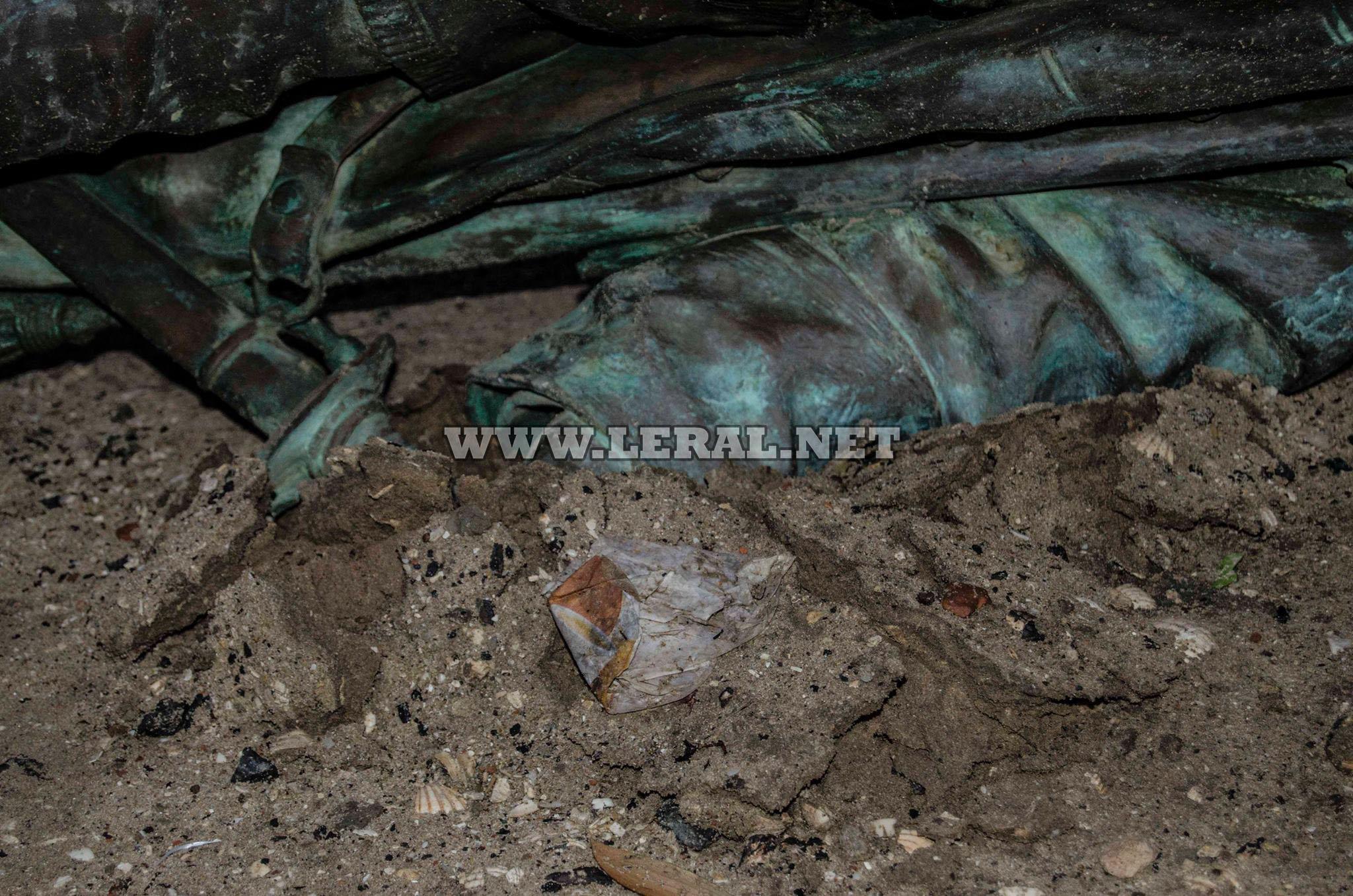 (Photos) La statue de Faidherbe tombe naturellement ce 5 septembre 2017