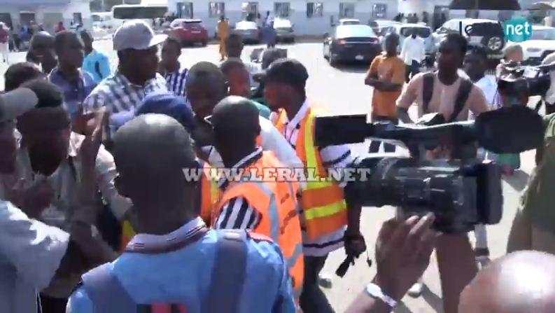 Vidéo-Alerte : Des journalistes encore entravés et malmenés à l'aéroport LSS