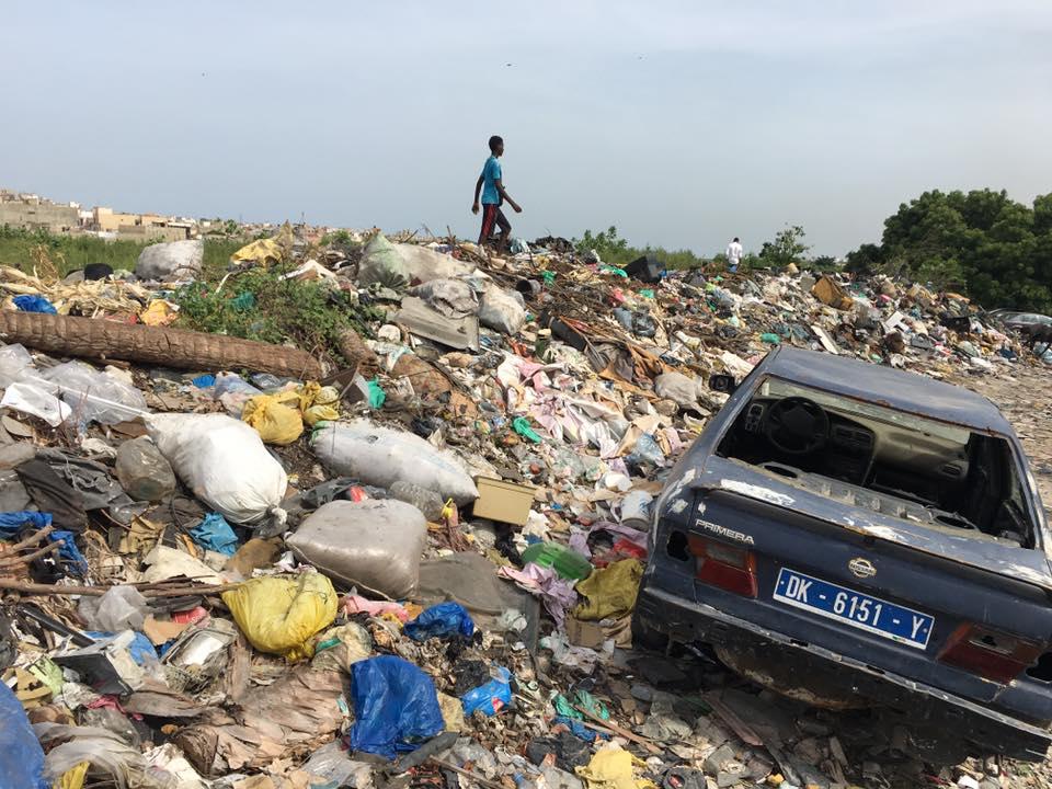 Insalubrité aux abords de la cité de l'ancienne piste : le maire de Yoff Abdoulaye Diouf Sarr interpellé