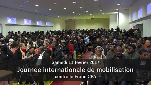 PARIS: Macky Sall et Alassane Ouattara hués par les militants anti CFA